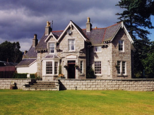 Exterior view of Braemar Lodge.