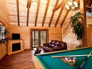 Living area at Big Creek Cabins.