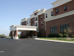 Exterior view of Hampton Inn Stow.