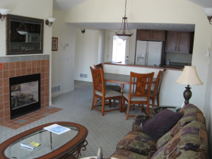 Living and dining area at Harbor Lights Resort.