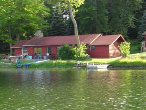 Exterior view of Five Lakes Resort.