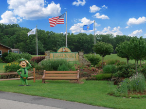 Exterior view at Yogi Bear's Jellystone Park Warrens.