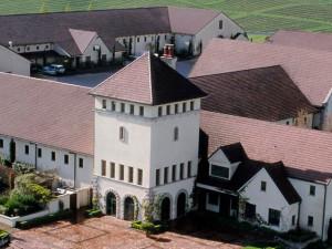 Exterior View of Courtesy Inn Eugene
