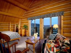 Guest room at Aspen Ridge Resort.