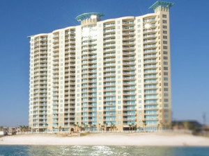 Exterior view of Aqua Beach Condos & Vacation Resort.