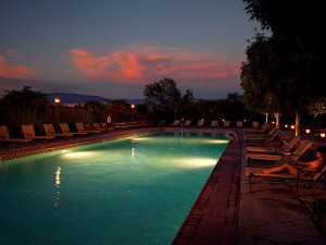 Outdoor pool at  Hotel Albuquerque.