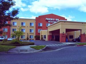 Exterior view of Phoenix Inn Suites Vancouver.