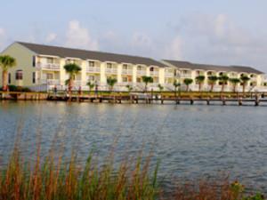 External view of resort at Kontiki Beach Resort Condos.