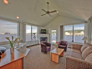 Living room at South Pier Inn.