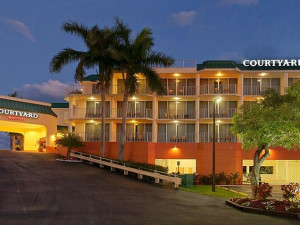 Exterior view of Courtyard Key Largo.