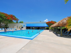 Rental outdoor pool at iTrip - Islamorada.