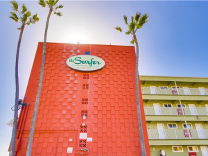 Exterior view of Surfer Beach Hotel.