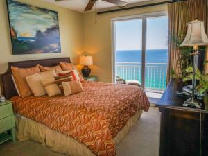Guest bedroom at Splash Resort.