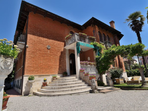 Exterior view of Albergo Villa Albertina.