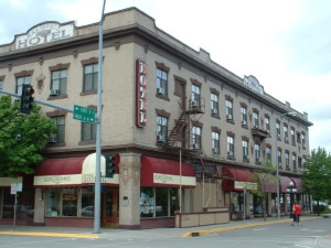 Exterior view of Kalispell Grand Hotel.