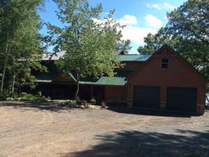 Exterior view of Pleasant Lake Bed & Breakfast.