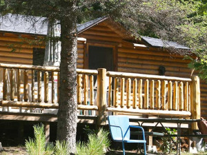 Cabin exterior at Lake Ridge Resort.