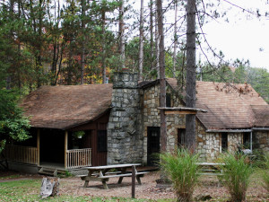 Exterior view of Whispering Oaks Cabins.