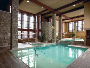 Indoor pool at DoubleTree Fallsview.