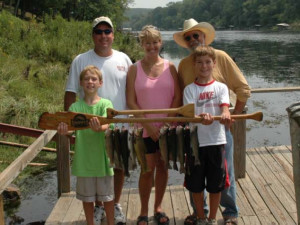 Family fishing at Lindsey's Rainbow Resort.