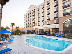 Outdoor pool at Courtyard by Marriott Newark- Silicon Valley.
