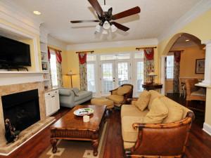 Rental living room at MyrtleBeachVacationRentals.com.