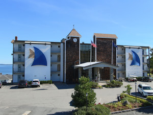 Exterior view with ocean in the background at Atlantic Oceanside Hotel & Conference Center.