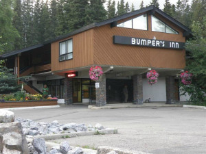 Exterior view of Bumpers Inn.