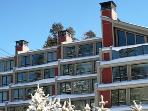Exterior view of 1849 Condos at Canyon Lodge.