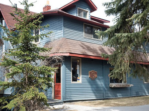 Exterior view of Rocky Mountain Bed and Breakfast.