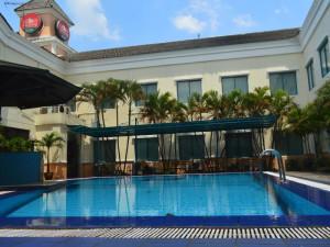 Exterior view of Grand Cikarang Hotel.