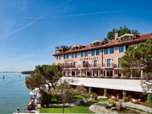 Exterior view of Hotel Cipriani.