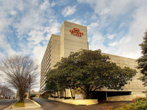 Exterior View of Crowne Plaza Knoxville