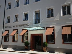 Exterior view of Hotel Auersperg.