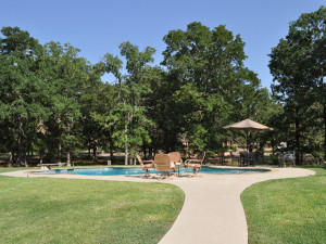 Outdoor pool at Saline Creek Farm.