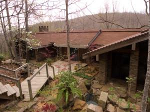 Exterior view of Azalea Falls Lodge.