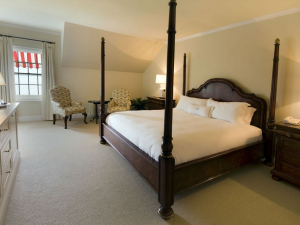 Guest bedroom at Windermere House.