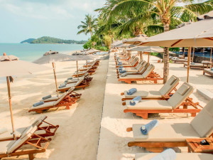 The beach at InterContinental Samui Baan Taling Ngam Resort.
