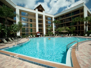 Outdoor pool at Clarion Inn Lake Buena Vista.