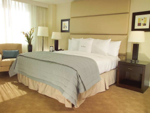 Guest room at Doubletree Guest Suites Ft Lauderdale-Galleria.