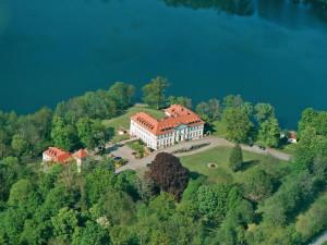 Exterior view of Hotel Schloss Schorssow.