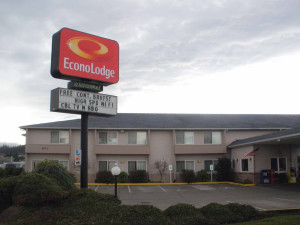 Exterior view of Econo Lodge Sequim.