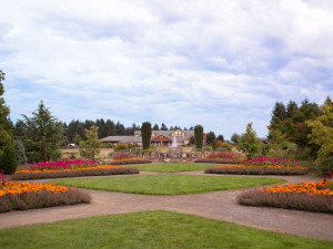 Exterior View of Oregon Garden Resort Grounds