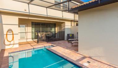Rental pool at Florida Paradise Villas.