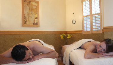 Couples massage at Mount View Hotel & Spa.