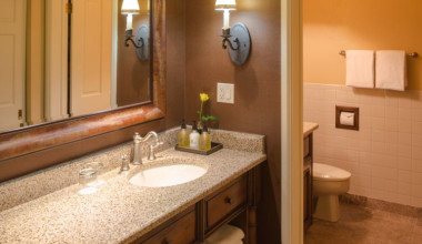 Guest bathroom at Wort Hotel.