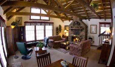 Guest living room at Inn At Lake Joseph.
