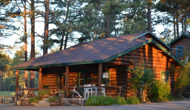 Cabin exterior at Silver Mountain Resort and Cabins.