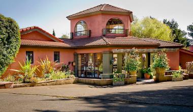 Exterior view of Sonoma Coast Villa & Spa Resort.