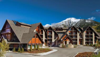 Exterior view of Grande Rockies Resort.